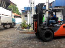 Teknik Unik Pengoperasian Forklift Angkut Barang