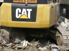Bagger CAT 349E Abriss - solides Bauwerk